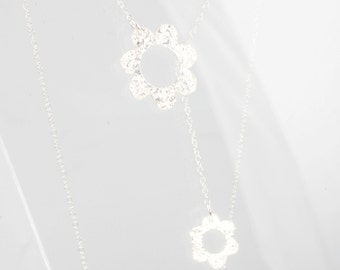 Silver Y necklace with two flowers