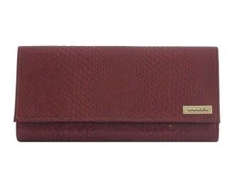 Clutch/handbag, faux leather, snakeskin, red wine, summer handbag, evening hanbag, inside pocket