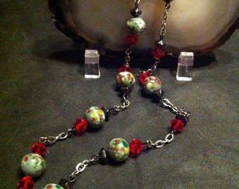 Necklace hematite and porcelain beads