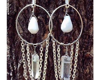 Large Quartz and chain dangles