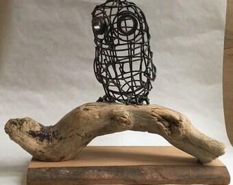 Owl: welded wire bird