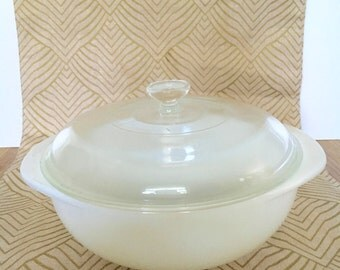 Pyrex Opal White Casserole Dish with Lid 1 1/2 quart 023