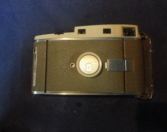 Retro Polaroid 800 Land Camera