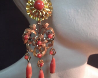 Long yellow gold and coral earrings