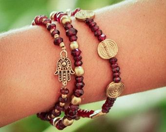 Hamsa Bracelet // Garnet Bracelet // Hamsa Charm Bracelet // Protection Bracelet // Lucky Bracelet // Red Garnet Stones Bracelet