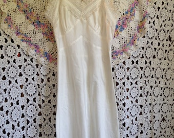 Vintage Lace Trim Dress Slip, Negligee, Lingerie