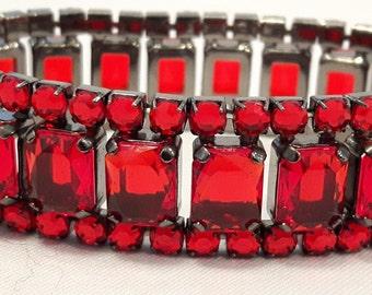 70's Style Red Beaded Elastic Bracelet