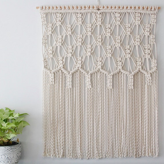 Define beauty macrame wall hanging - Tete de lit macrame ...