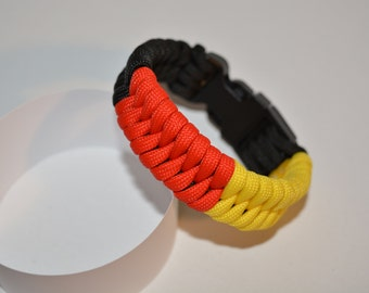 "550 Paracord Bracelet ""snake black-red-gold"""