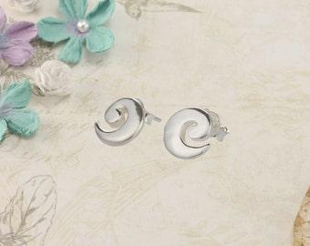 Silver Wave Stud Earring
