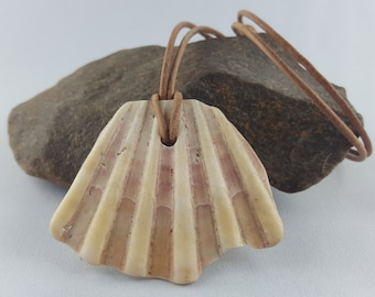 Shell pendant natural jewelry scallop