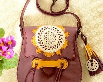 Leather shoulder bag with crochet