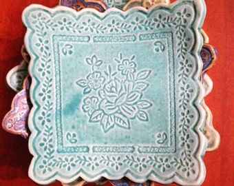 Scallop Trimmed Lace Soap Dishes