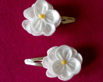Beautiful hand crafted felt flower hair grips