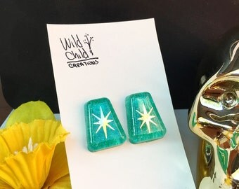 Teal Sparkle and Gold Earrings, Confetti Lucite Earrings, Retro Earrings, Turquoise Earrings, Retro Glamour