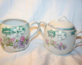 Vintage sugar and creamer set