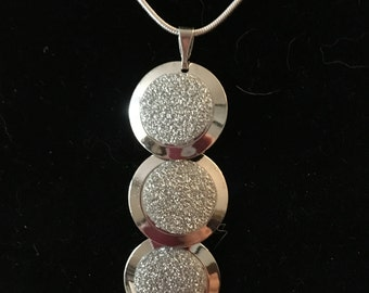 Stunning Silver Pendant Necklace