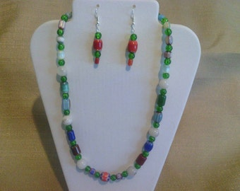 238 Vintage Look Green Crackle Glass Small Round Beads and Porcelain Beaded Choker