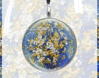 Medallion with 24 carat gold leaf and silver leaf in blue optics