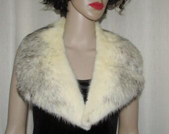 Très beau collet cranté de fourrure  vintage de vison croisé / Vintage beautiful notched crossmink collar
