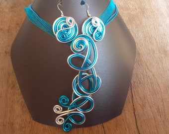 Parure necklace and earrings blue turquoise and silver
