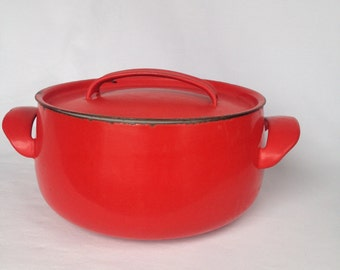 Red rustic cast iron casserole dish/pan, enamel cookware