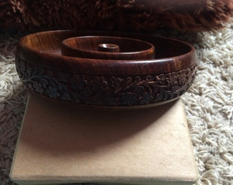 Beautiful Solid Wood Treen Carved Flowers Vintage Bowl