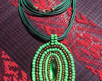 Green seed (Mều's necklace 04)