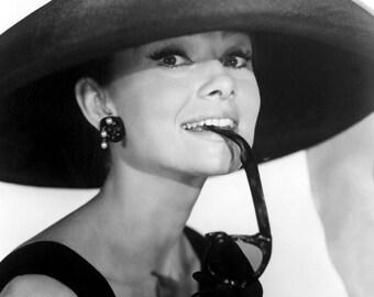 Audrey Hepburn Breakfast At Tiffany's 8 x 10 photo #5