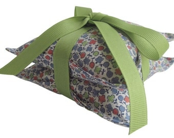 Lavender Sachet Pair, Vintage Floral Fabric Tied with Green Grosgrain Ribbon