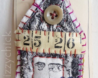 Fabric Scrappy House Brooch - 25/26