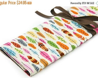 Sale 25% OFF Large Knitting Needle Case - Feathers - 30 brown pockets for all size needles or paint brushes