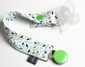 Pacifier clip - snap - enamel clip - mini leaves - white - blue - green - cotton fabric - baby - baby girl - baby gift - baby shower - dummy