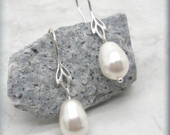 Pearl Earrings, Lotus Flower Earrings, Wedding Jewelry, Bridesmaid Jewelry, Bridesmaid Gift, Sterling Silver, Pearl Drop Earrings (SE651)