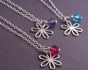 Daisy Necklace, Silver Flower Necklace, Daisy and Birthstone, Sterling Silver Gift for Daughter, Wife Gift, Bridesmaids Gifts