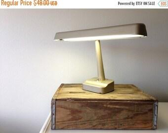 sale vintage Industrial Desk Lamp / vintage industrial lighting / Flourescent / taupe Metal / Utilitarian Retro Office Light