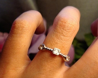 Unique Estate Sterling Silver Skinny Cable White Clear CZ Stone Ring Size 6 Stackable Stacking Band