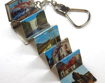 SJK Vintage -- Souvenir of Quebec Postcard Photo Book Keychain with Colored Photos (1960's-70's)