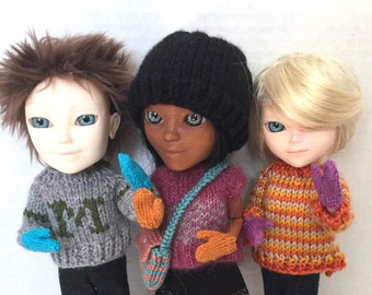 Mittens for Makie dolls