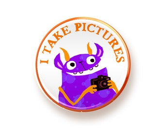 I Take Pictures - round magnet