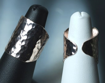 Hand hammered rose gold tone adjustable ring, one piece (item ID HN00015RGK)