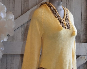 Fall sale 1970s sweater hooded sweater 70s sweater bohemian sweater size small Vintage sweater alpaca sweater yellow