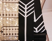 black and white mod graphic arrow indie guitar strap