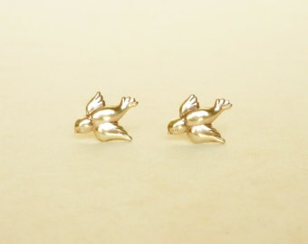 Teeny Tiny Brass Gold Bird Stud Earrings 925 Sterling Silver Posts,Bridesmaid Gift. Minimal Jewelry,Everyday Jewelry,Simply Jewelry,Animal