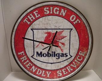 Mobilgas Clock