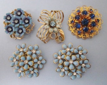 Jewelry DeStash Rhinestone Brooches and Earrings blues