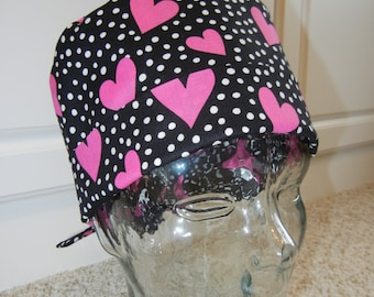 Tie Back Surgical Scrub Hat with Valentine Hearts Polka Dots Black