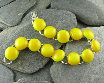 Yellow Glass Bracelet / Summer Jewelry / Adjustable Bracelet / Fused Glass Bracelet / Modern Jewelry / Casual Bracelet / Trendy Jewelry