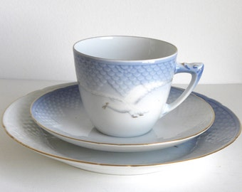 B & G Bing and Grondahl Seagull Cake Plate, Cup and Saucer