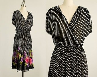 80s Vintage Black And White Floral Striped Day Dress / Size Medium